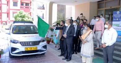 Justice Rajan Gupta from the Punjab and Haryana high court flagging off the Covid cabs in the presence of Rotarians.