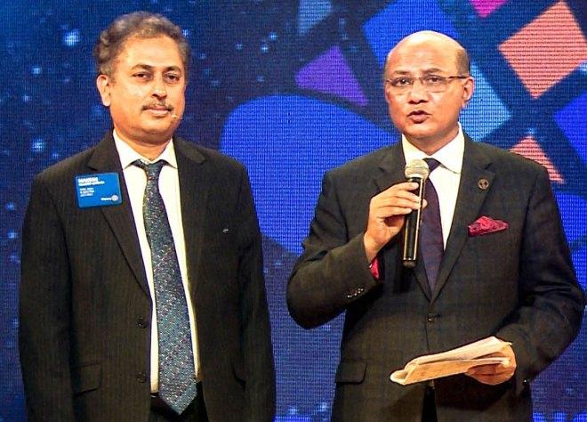 RID Mahesh Kotbagi (L) with PRID Kamal Sanghvi.