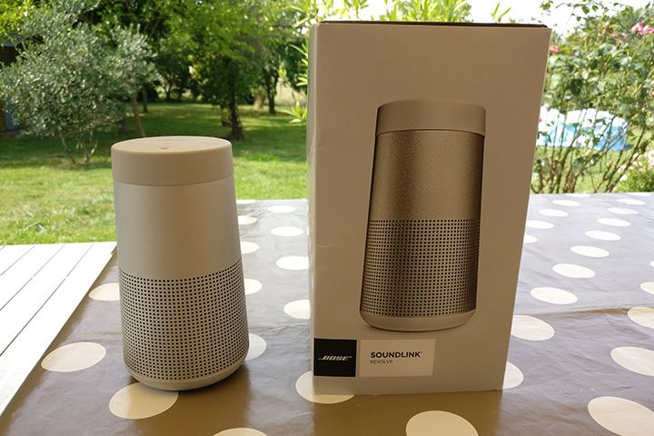 bose soundlink revolve ou la mise jour de la soundlink. Black Bedroom Furniture Sets. Home Design Ideas