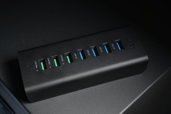 Aukey Hub USB 3.0 7 ports : de quoi connecter et charger tous vos appareils !