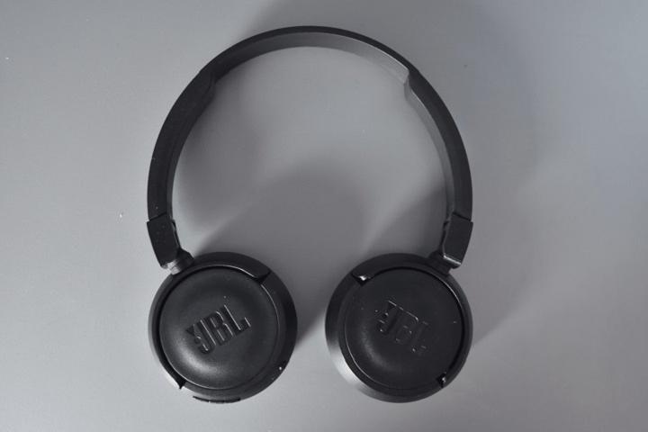 JBL T450BT : un casque Bluetooth pas cher !