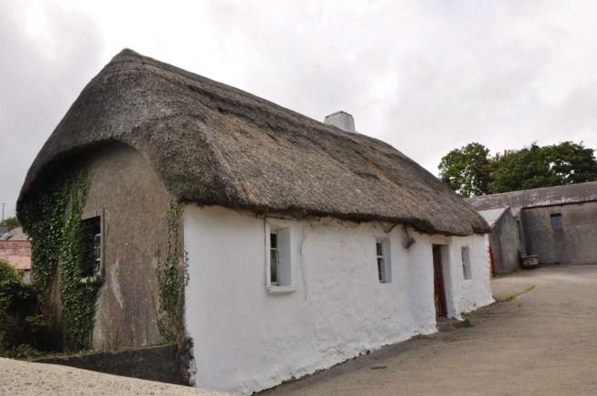 thatched-village12
