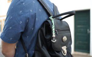 rotterband aan tas