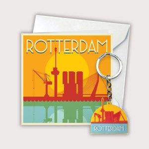 Cadeaukaart met een silhouet van Rotterdam en een rubberen sleutelhanger