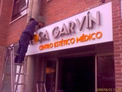 letras-de-acero-inoxidable-retroiluminadas-garvin-03