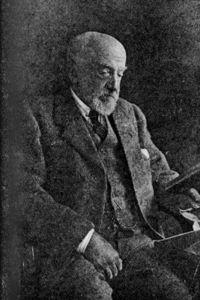 200px-Dukinfield_Henry_Scott_1854-1934