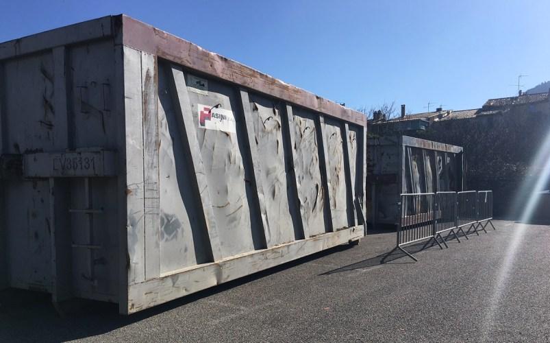 Mise en place de deux containers à ordures ménagères