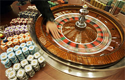 The Martingale Strategy for Winning in the Roulette