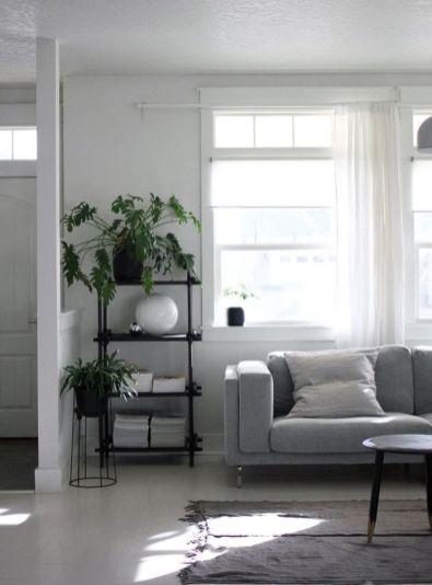 Adorable minimalist living room designs (25)