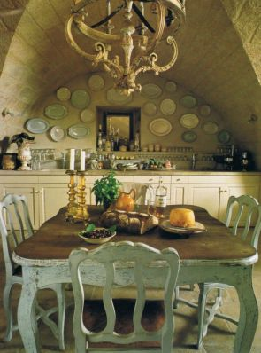 Charming and beautiful provence dining spaces (7)