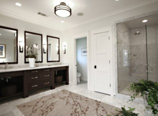 Cool ideas to use big mirrors in your bathroom (1)