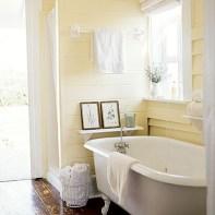 Cozy and relaxing farmhouse bathroom designs (21)