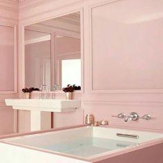 Delicate feminine bathroom design ideas (13)