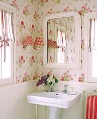 Delicate feminine bathroom design ideas (18)