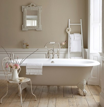 Delicate feminine bathroom design ideas (21)