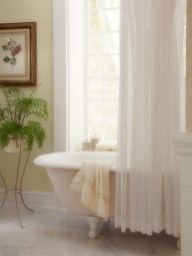 Delicate feminine bathroom design ideas (4)