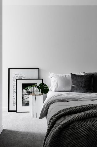 Stylish stylish black and white bedroom ideas (33)