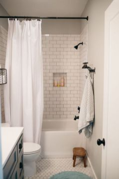 Amazing guest bathroom decorating ideas 29