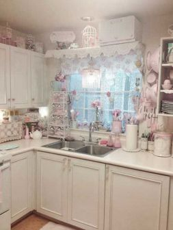 Chic kitchen design 32