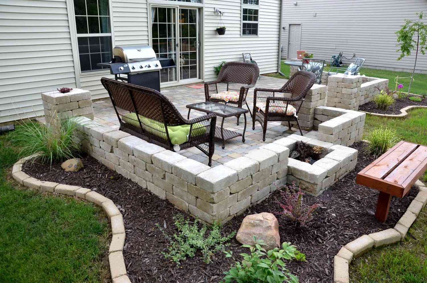 Cinder block furniture backyard 41