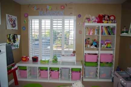 Creative toy storage ideas for living room 26