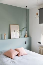 Cute bedroom design ideas with pink and green walls 30