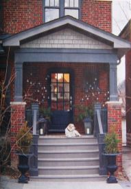 Exterior paint color ideas with red brick 05