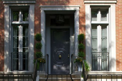 Exterior paint color ideas with red brick 06