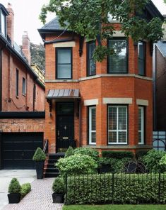 Exterior paint color ideas with red brick 48