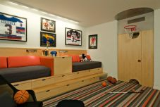 Inspiring bedroom design ideas for boy who loves basketball 67