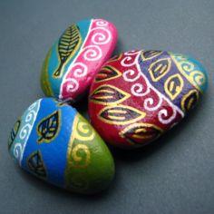Inspiring painted rocks for garden ideas (1)
