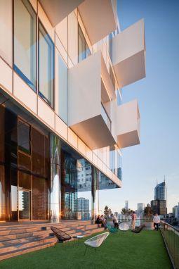 Modern apartment balcony decorating ideas 02