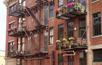 Modern apartment balcony decorating ideas 63