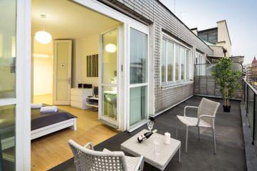 Modern apartment balcony decorating ideas 83
