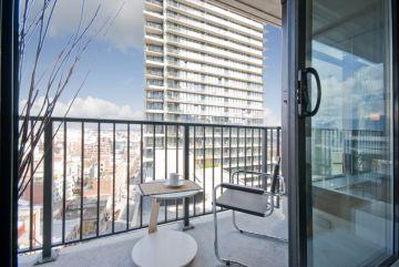 Modern apartment balcony decorating ideas 85