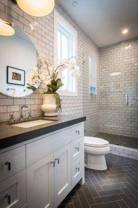 Modern small bathroom tile ideas 007