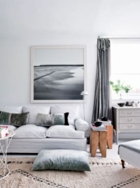 Stunning gray and white living room decor ideas 38