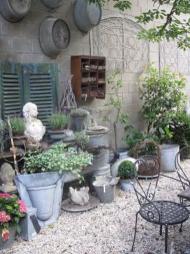 Adorable small patio garden design ideas 11