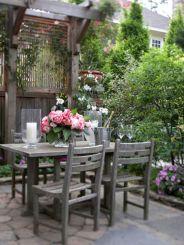 Adorable small patio garden design ideas 17