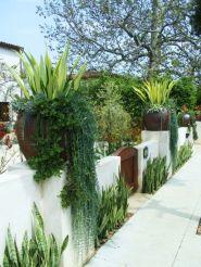 Affordable backyard vegetable garden designs ideas 03