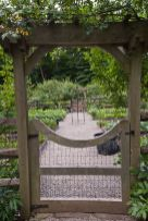 Affordable backyard vegetable garden designs ideas 49