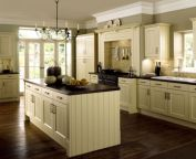 Amazing cream and dark wood kitchens ideas 41