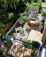 Amazing small balcony garden design ideas 05