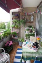 Amazing small balcony garden design ideas 06