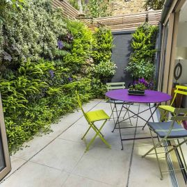 Amazing small balcony garden design ideas 14