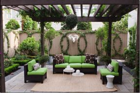 Amazing small balcony garden design ideas 20
