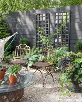 Amazing small balcony garden design ideas 29