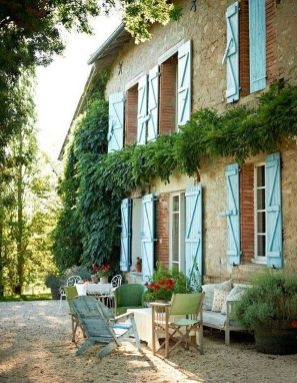 Beautiful french cottage garden design ideas 07