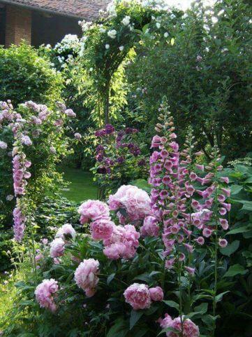 Beautiful french cottage garden design ideas 11