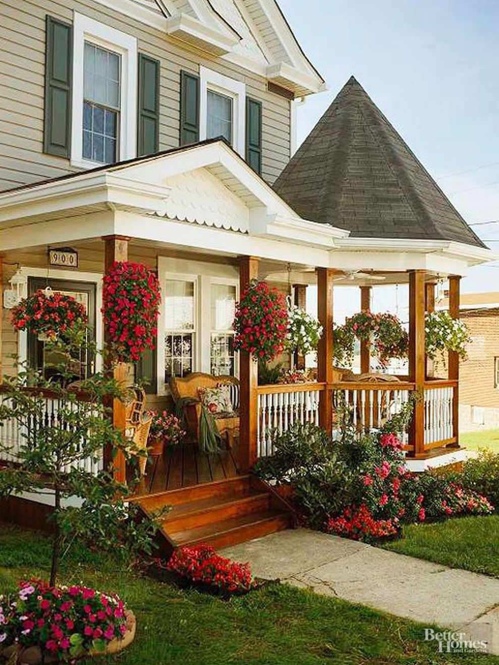 Creative front porch garden design ideas 07